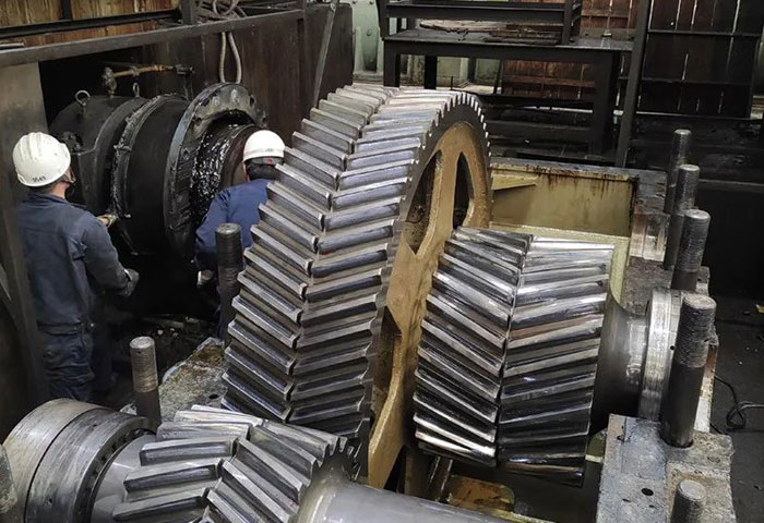 宝钛集团板材厂提前完成冷轧机大修工作
